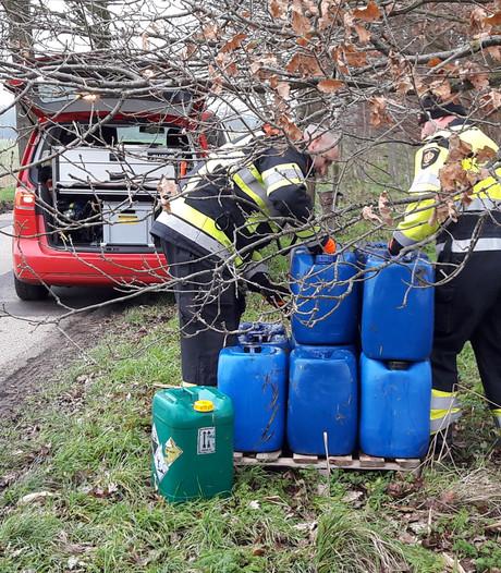 18 vaten met xtc-afval gedumpt in sloot  in Horssen