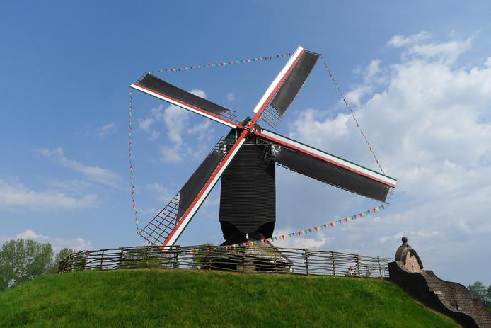 Naast het Bakkerijmuseum in Geel staat Molen in 't Veld.