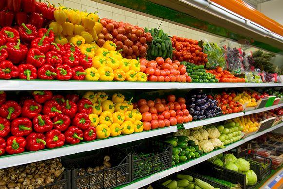 Bij de maaltijden zit pasta, maar ook melk, aardappelen, vlees, bloem, olijfolie, drank, chocolade, ontbijtgranen én groenten.