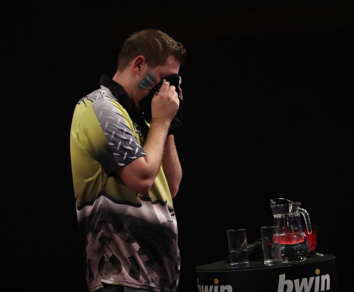 Een emotionele Berry van Peer na zijn partij tegen Gary Anderson.