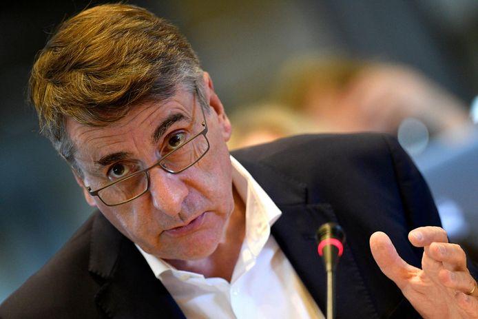 """En ce qui concerne la réforme des pensions, le gouvernement Michel a """"tout fait à l'envers"""", estime Olivier Maingain."""