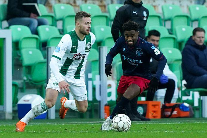 29-11-2020: Voetbal: FC Groningen v Willem II: Groningen Eredivisie 2020-2021 L-R: Gabriel Gudmundsson of FC Groningen, Che Nunnely of Willem II