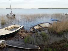 Verwaarloosde bootjes in Harderwijk worden opgeruimd