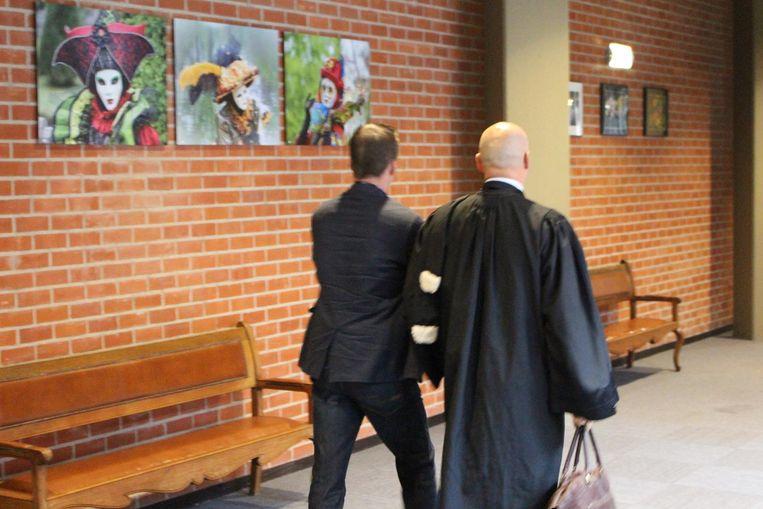 Leerkracht Bryan I. kwam zelf naar de rechtbank.