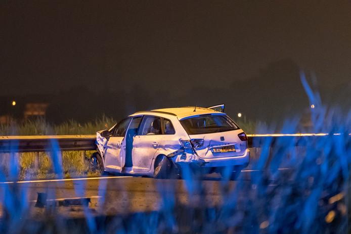 De betrokken auto's raakten zwaar beschadigd.