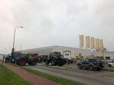 Boeren voeren onaangekondigd actie bij hoofdkantoor Jumbo