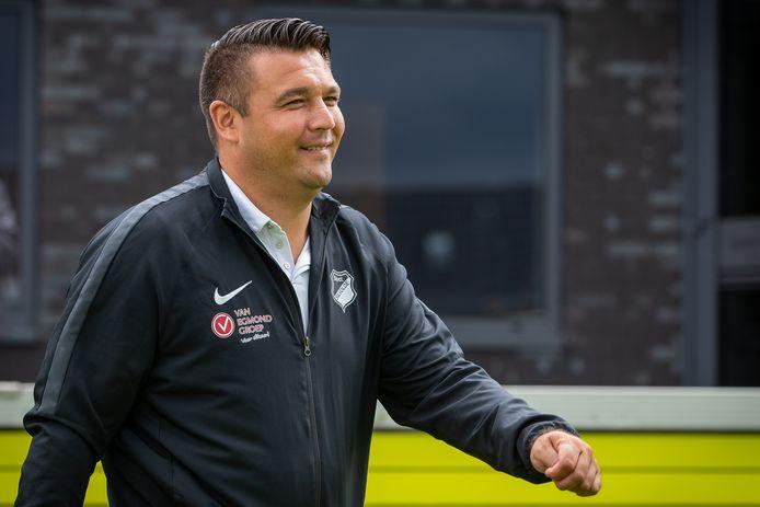 Dennis van Beukering, als trainer van Silvolde. De Velpenaar verlaat na dit seizoen Vitesse