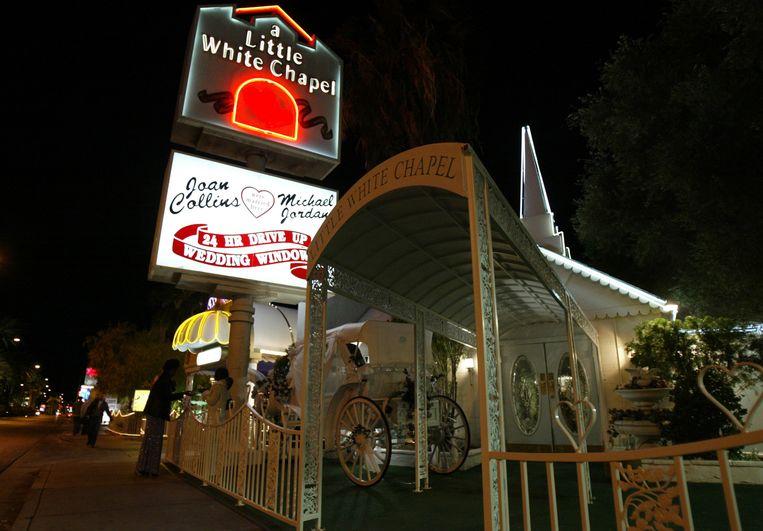 De ingang van 'A Little White Chapel' in Las Vegas waar Britney Spears op 3 januari 2004 trouwde.