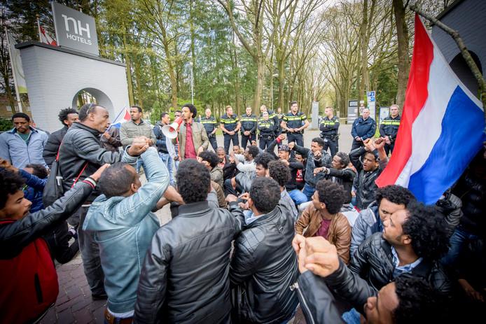 Demonstranten donderdag bij Koningshof.