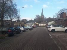 Parkeerplekken weg voor gemeentehuis Zevenaar