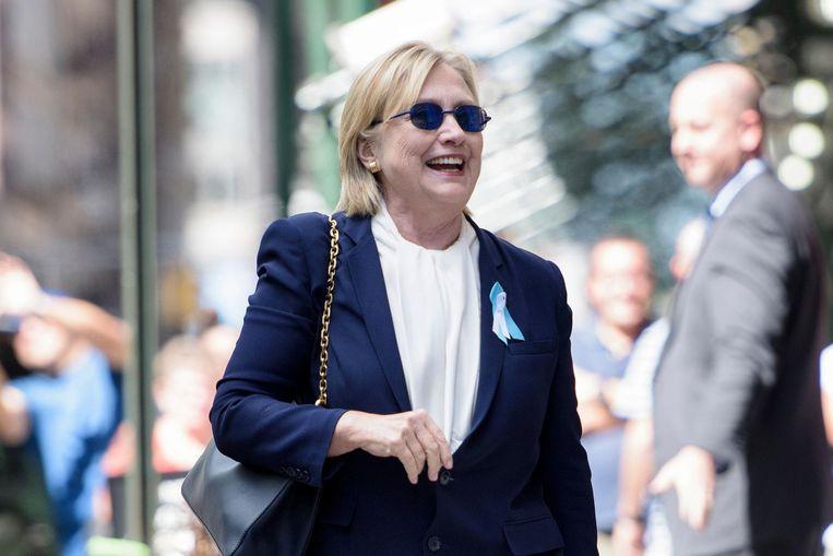 Complottheorieën circuleren op het internet die beweren dat dit niet Hillary Clinton is, maar haar dubbelganger. Beeld afp