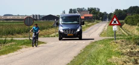 Zes boetes uitgeschreven bij controle sluipverkeer Noordlangeweg in Willemstad