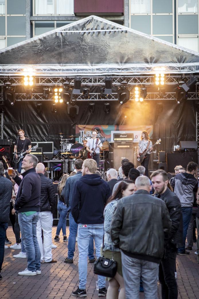 Veel talent en muziek in Almelo. De hele zaterdagavond nog. Zondag is er een cultuur- en kunstmarkt.