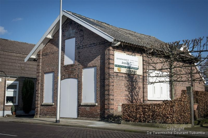 De voormalige synagoge aan de Almeloseweg in Vriezenveen.