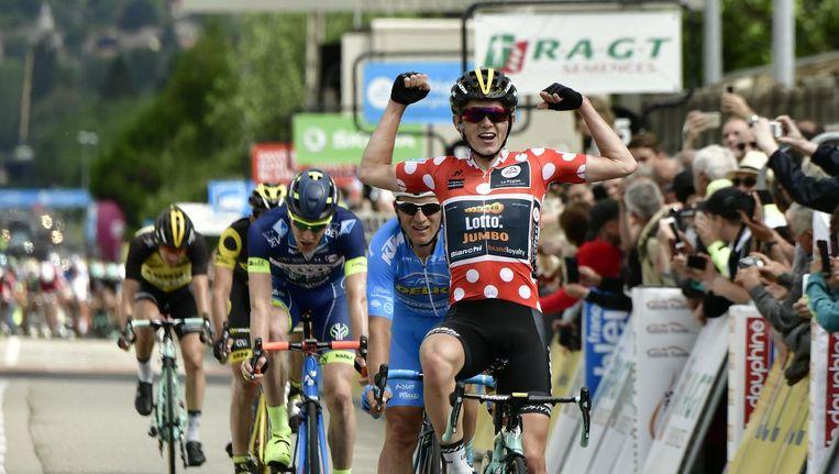 Koen Bouwman sprint naar de etappezege in het Critérium du Dauphiné Beeld afp
