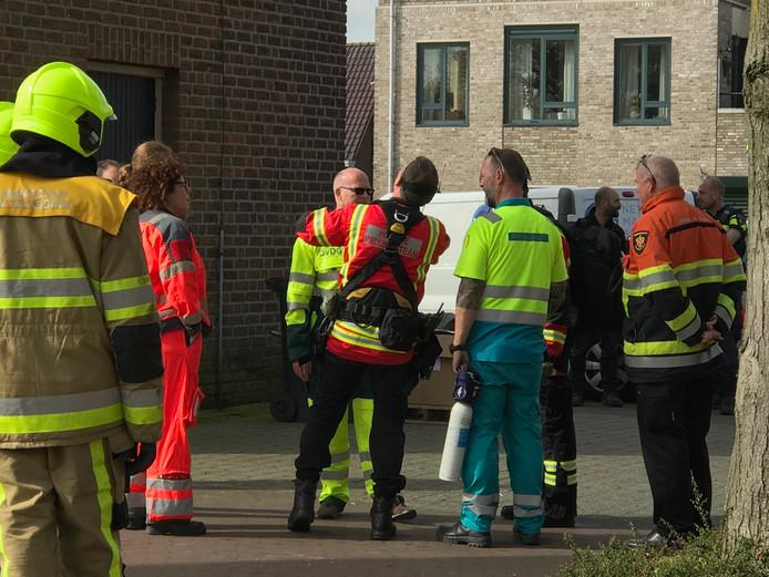 Het reddingshoogteteam uit Rotterdam staat klaar om de kerktoren te betreden.