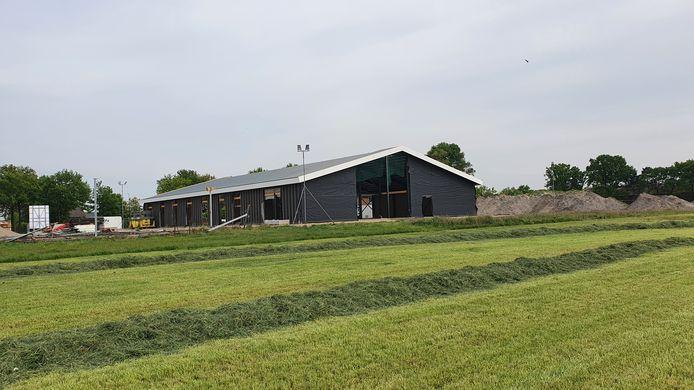 De Markhoeve in Strijbeek in aanbouw, er komt een proefboerderij in, een initiatief van Vereniging Markdal.