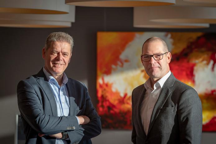 Ed Vreman (L.), directievoorzitter Rabobank Zuidwest-Brabant en Jules van Leijden (R.), van Rabobank Walcheren/Noord-Beveland.