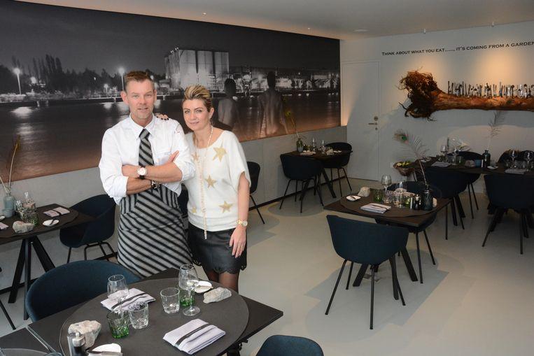 Dimitri Van Berlo en Tanja Vyt in hun restaurant. Chef's Table behoudt ook dit jaar de score van 13 op 20.