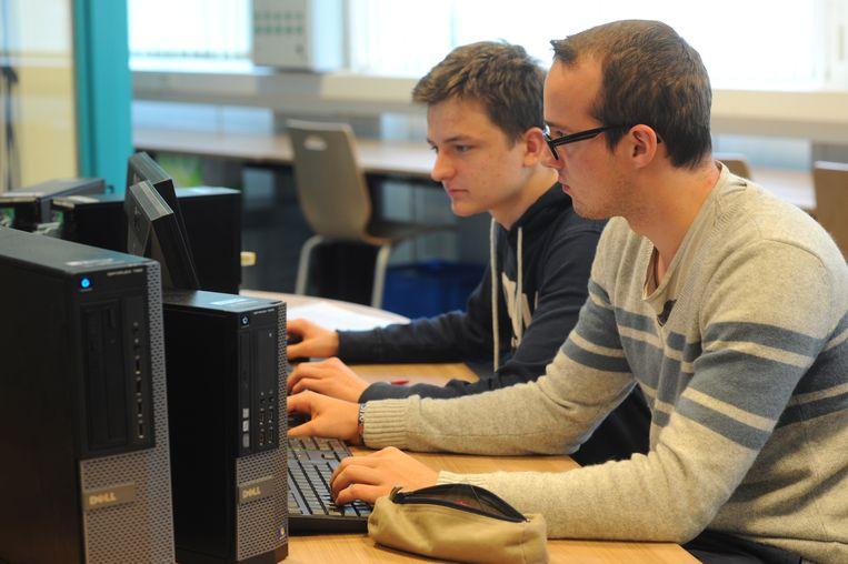 De studenten Elektronica-ICT van hogeschool Odisee gingen op zoek naar veiligheidslekken in vijftig bedrijfswebsites.