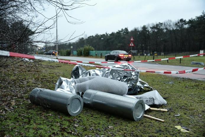 Het gedumpte afval bij de Ijpelarenweg in Tilburg.