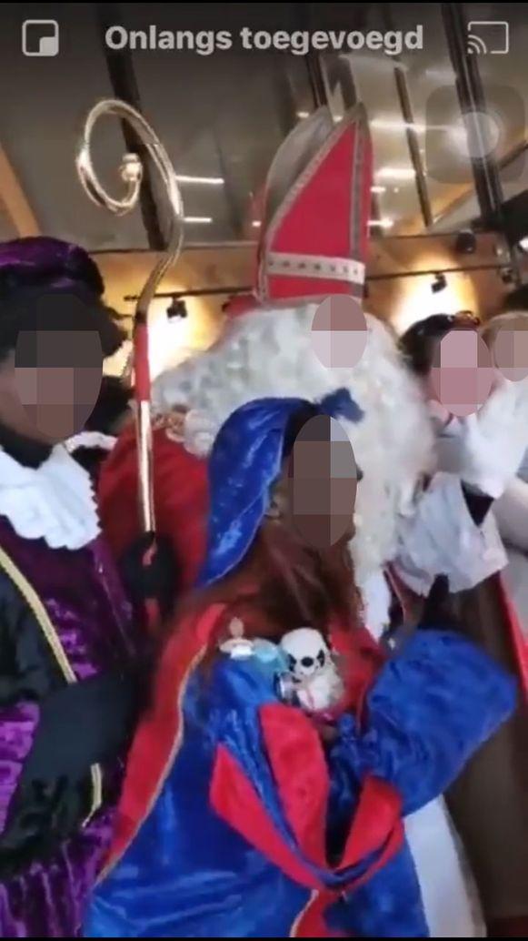 Alois B. kroop in de huid van Sinterklaas, terwijl hij niet meer met minderjarigen. Sinterklaas als grootste kindervriend spelen is een duidelijke inbreuk, vindt het gerecht.
