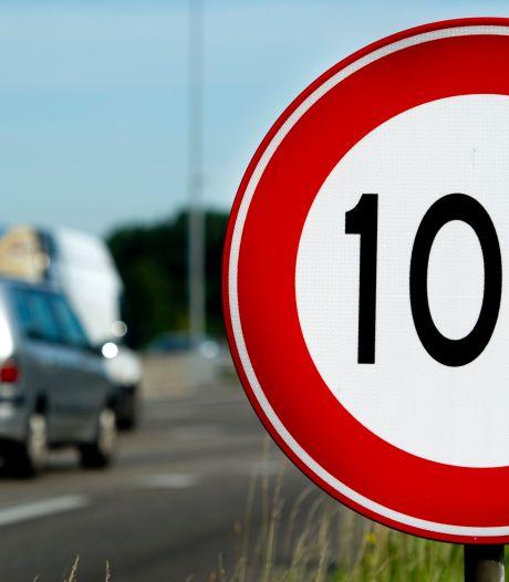 Zakelijke rijders tegen snelheidsverlaging: '100 rijden met een elektrische auto heeft geen effect op stikstof'