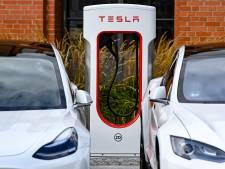 Foutje: auto's van concurrenten kunnen gratis snelladen bij Tesla