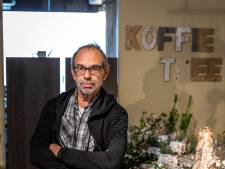 Bloemist brengt bloemen naar Elkerliek in Helmond zodat patiënten 'even niet aan ziekte denken'