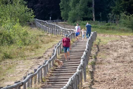 De trap in natuurgebied Kwintelooijen is vorig jaar nog vernieuwd.