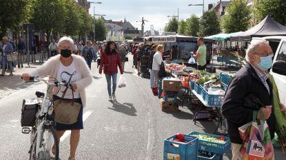 """Wekelijkse markt Eeklo op verkeersvrije N9: """"Het lijkt wel heel de zomer jaarmarkt"""""""