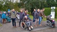 Legertop verrast superfan van luchtmacht op zijn verjaardag in Gavere