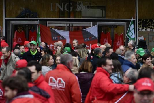 Manifestation devant les sièges d'ING et AXA à Bruxelles (7 octobre)