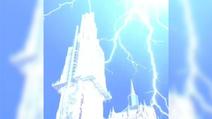 Wauw! Bliksem slaat drie keer in op Antwerpse kathedraal