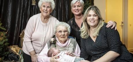Vijf generaties vrouwen op 100ste verjaardag Gerritje uit Overdinkel