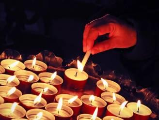 """Parochies roepen op om kaarsje aan kerken en kapellen te plaatsen tijdens Allerheiligenweekend: """"Troostplekken creëren om overledenen van voorbije maanden te gedenken"""""""