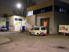 Politie beëindigt werkborrel op industrieterrein: officiële waarschuwing voor niet naleven coronaregels
