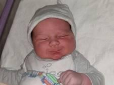 Steffi bevalt van echte carnavalsbaby: Deavi wordt op 11-11 om 1.11 uur geboren