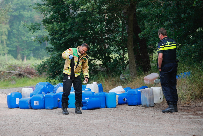 Drugsafval gedumpt op parkeerplaats tussen Waalre-Dorp en Veldhoven.