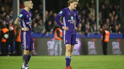 VIDEO. Zwak Anderlecht in eerste match zonder Vanhaezebrouck pijnlijk onderuit tegen Moeskroen: paars-wit blijft achter met één op vijftien