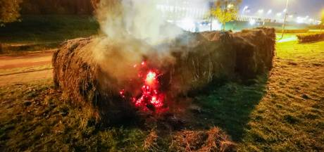 Strobalen in brand in Veldhoven
