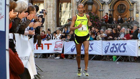 Gino Van Geyte veroverde in Wezet zijn vijfde Belgische titel op de marathon.