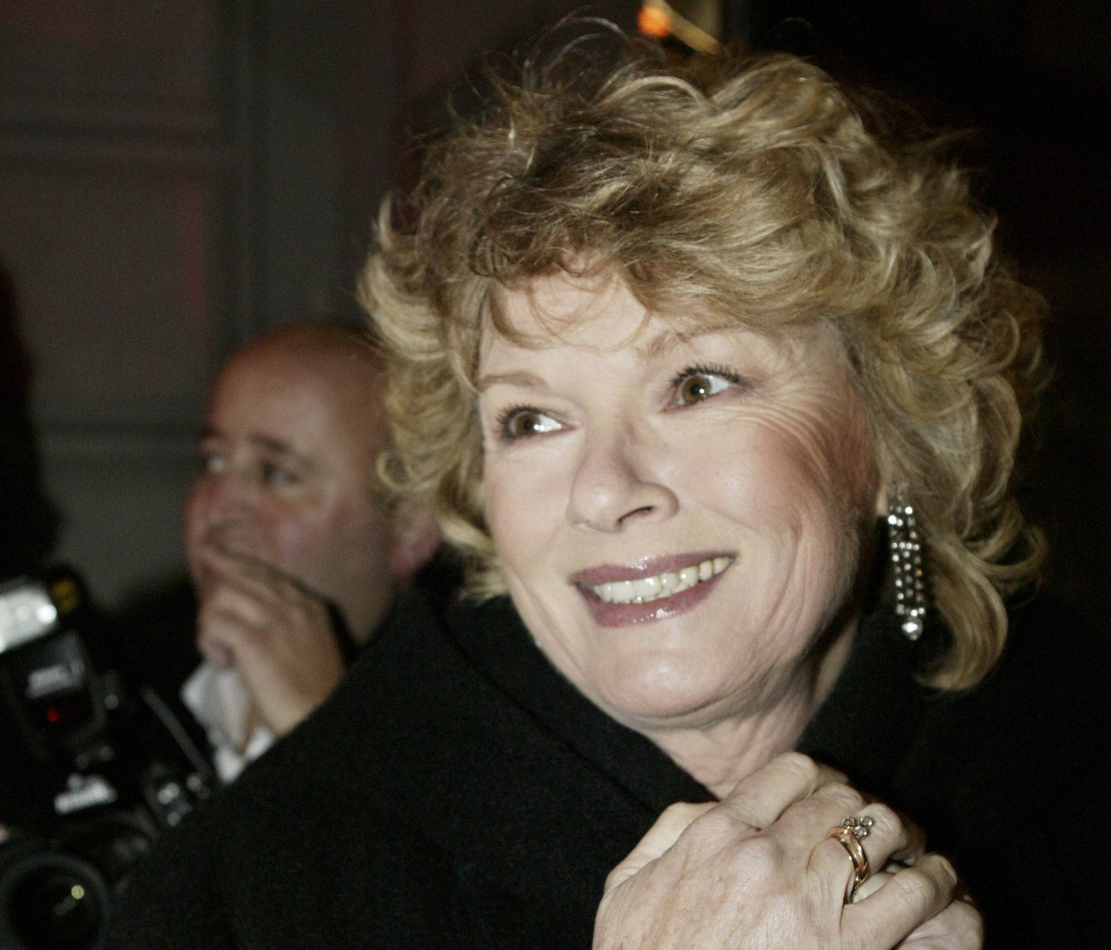 Martine Bijl in 2004 bij de heropening van theater Carré in Amsterdam.