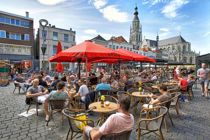 Terrassen op de Grote Markt in Breda.