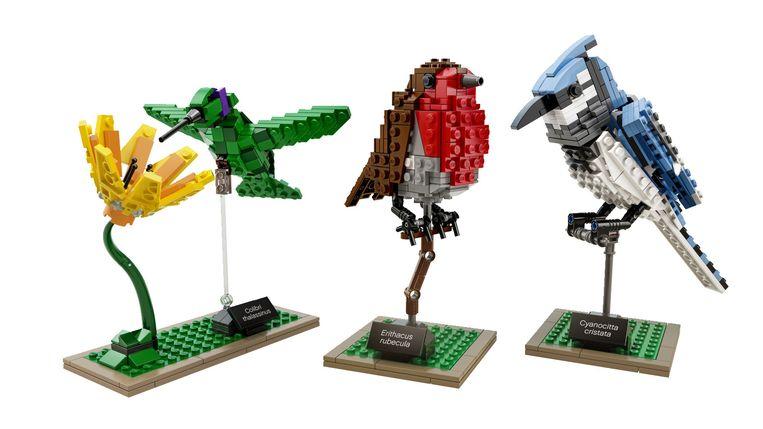 Set van drie vogels van Lego. Gemiddeld 17 cm hoog, € 50. shop.lego.com Beeld Els Zweerink