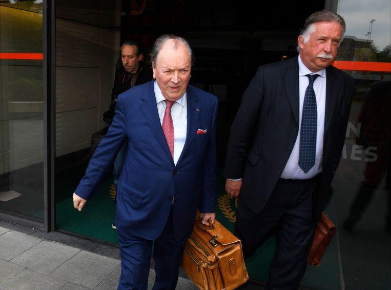 Mortelmans (r) met zijn advocaat Hugo  Vandenberghe.