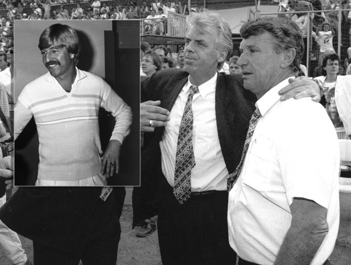Leo Beenhakker - met Spitz Kohn - en (inzet) Aad de Mos als trainer van Ajax.