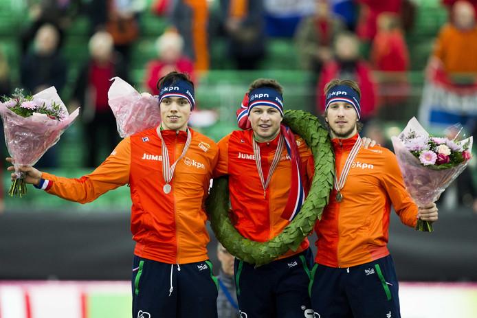 Jan Blokhuijsen (R), Sven Kramer (M) en Patrick Roest tijdens het WK allround schaatsen in het Vikingskipet stadion (Hamar) eerder dit jaar.