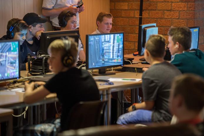 Fortnite toernooi in Dorsphuis Ochten.