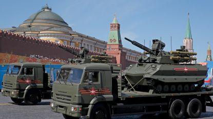 Poetin pakt uit met zijn militaire macht: van hypersonische raketten en drones tot onbemande 'robottanks'